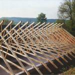 Dachkonstruktion der neuen Schießhalle im Mai 1996